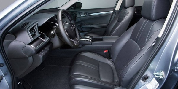 Honda-Civic-Sedan-2016-2017-salon-4-min