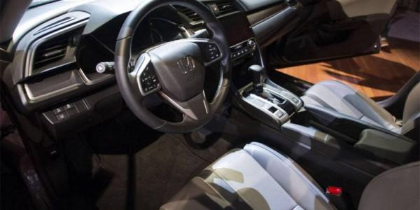 Honda-Civic-Sedan-2016-2017-salon-min
