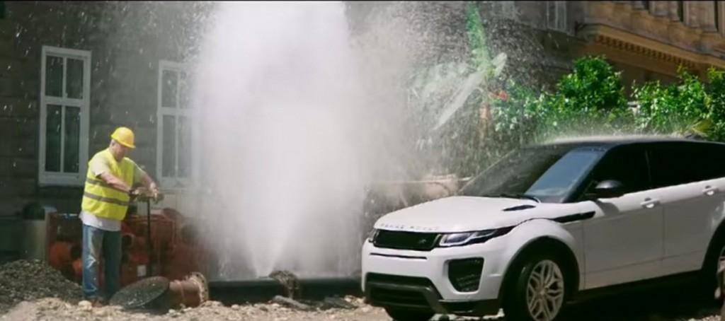 реклама range rover evoque 2015 фото