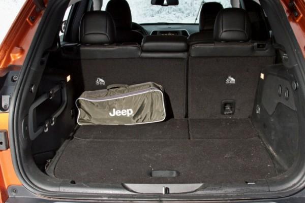 Jeep Cherokee  (9)