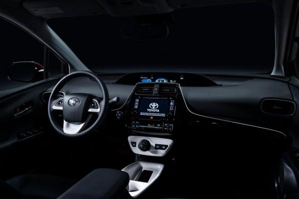 Toyota Prius 2016  (11)