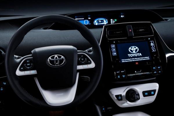 Toyota Prius 2016  (12)