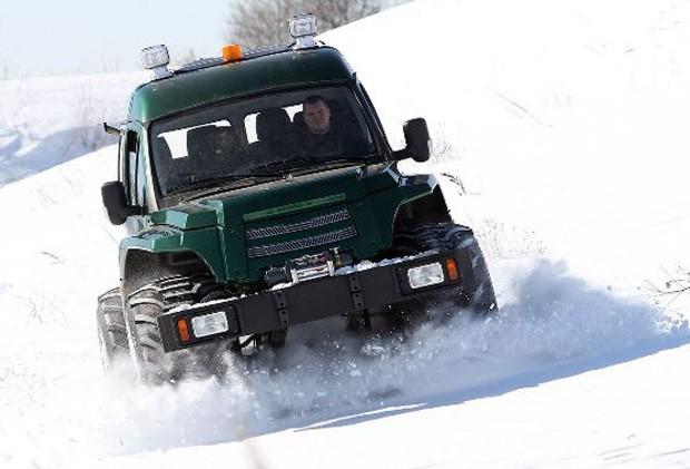 арктический снегоход МАС