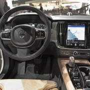 Volvo S90 2016 (3)