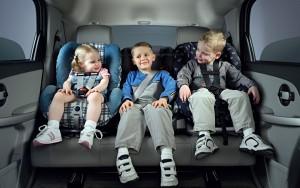 Правила перевозки детей в автомобилях 2016