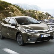 Тойота Королла 2016 в новом кузове: цена, фото в России