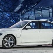 Купить BMW 330E IPERFORMANCE можно в июле 2016