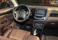 Mitsubishi Outlander Phev 2017 (2)