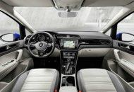 Volkswagen Touran 2016 (1)