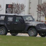 Jeep Wrangler 2018 проходит дорожные испытания