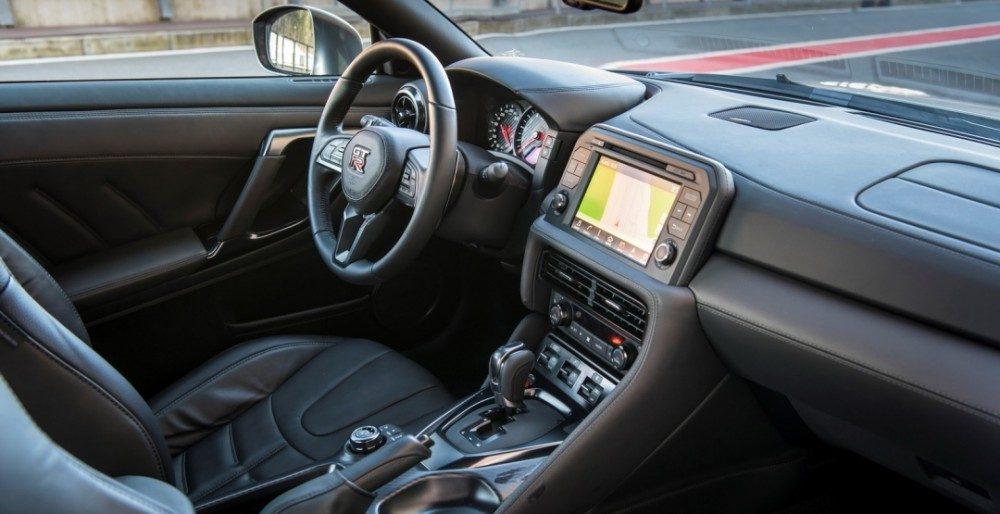 Nissan GT-R 2017 скоро в России: цена и харакеристики