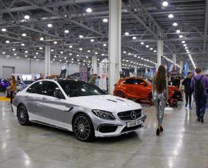 Московское тюнинг-шоу 2016: авто и девушки (Фоторепортаж)