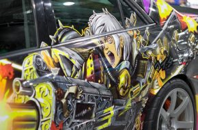 Многие тюнинговые машины сейчас украшают рисунками в стиле японских же комиксов «манга» или мультиков «аниме». Для этого печатается виниловая «обертка» для всей машины, которой потом оклеивают кузов. Аэрография уступила позиции как более дорогая и трудоемкая.