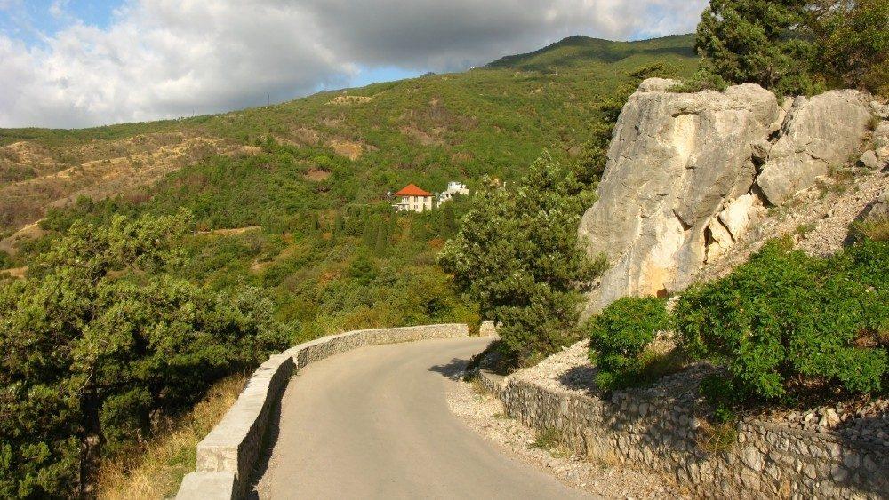 На автомобиле в Крым: что нужно знать и взять!