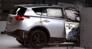 Toyota RAV4 не справился с краш-тестом IIHS