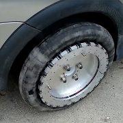 «Всенаправленные» автомобильные колеса создали в Канаде