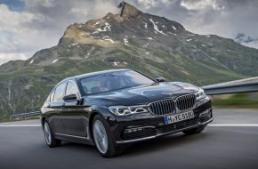 BMW 740E XDRIVE IPERFORMANCE (4)