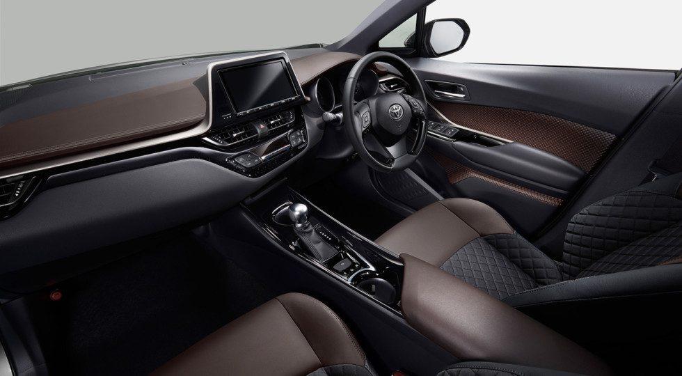 Тойота назвала комплектации для нового кроссовера C-HR