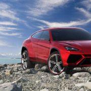 Lamborghini Urus: первые фото салона и другие подробности