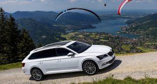 Купить универсал Skoda Superb Combi 2016 можно и в России