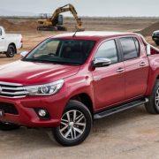 Осторожно «перевертыш»: Toyota Hilux видео маневрирования