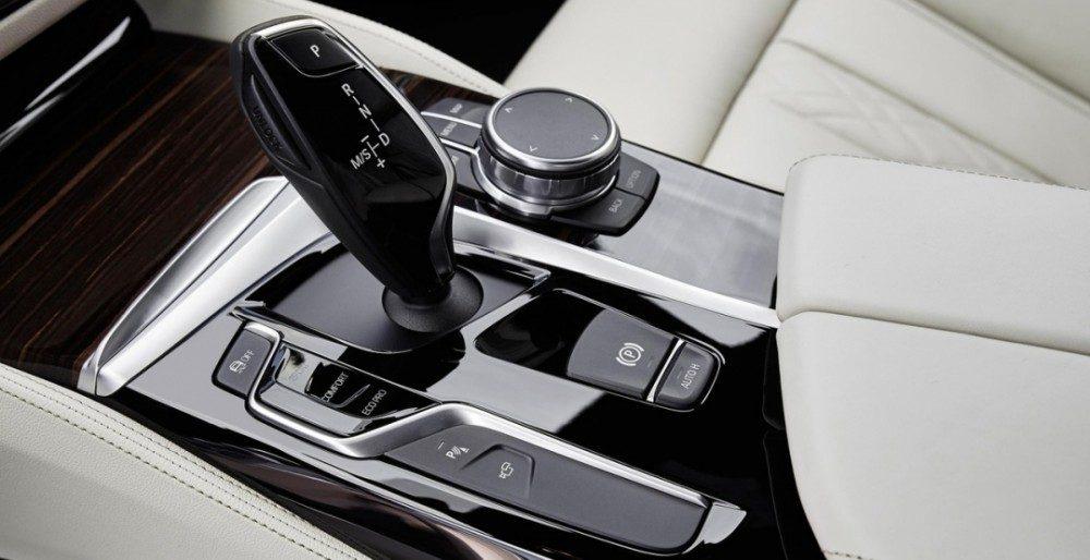 BMW 5-Series 2017: известна стоимость и комплектации