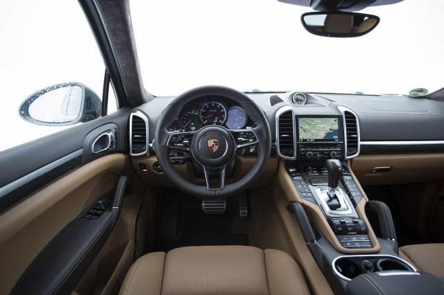 Porsche Cayenne 2018: новые подробности о рестайлинге