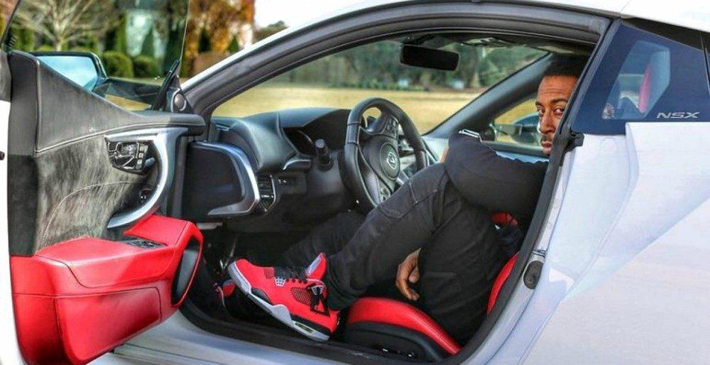 Acura NSX 2017: фото, характеристики и цена