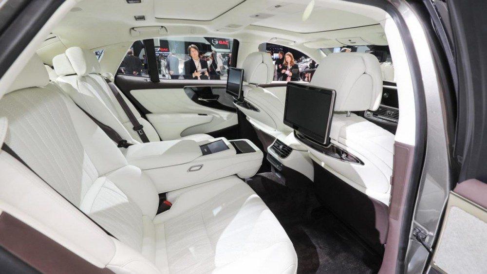 Лексус ЛС 500 2018: подробности о дебюте на автосалоне в Детройте