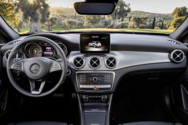 Mercedes-Benz GLA-Class 2018 (3)