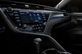 Toyota Camry 2018 (7)