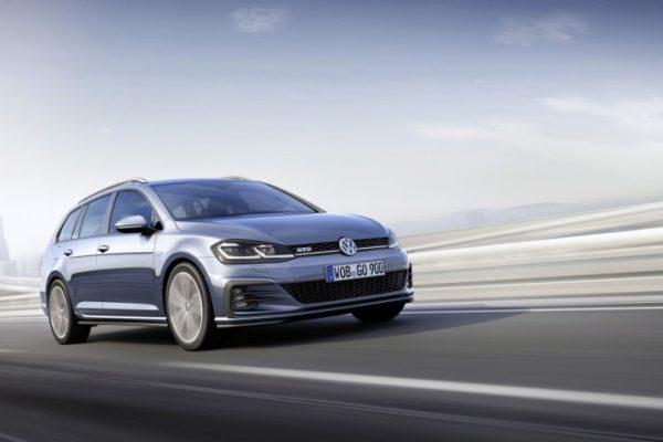 Volkswagen Golf GTE 2017 (4)