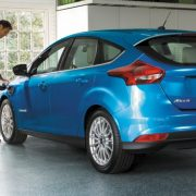 Ford Focus Electric 2017: подробности о «зеленом» хетчбэке