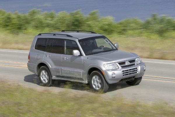 Mitsubishi Montero (3)