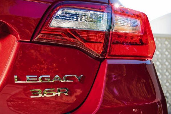 Subaru Legacy 2018 (2)