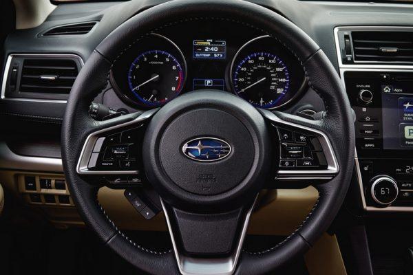 Subaru Legacy 2018 (3)