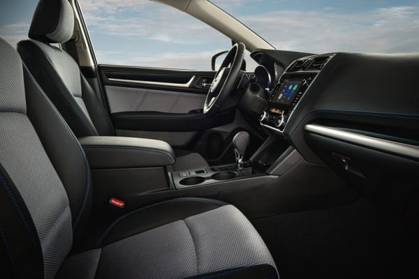 Subaru Legacy 2018 (4)