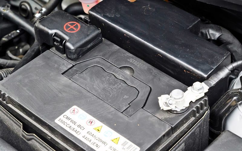 Как защитить автомобиль от угона меньше чем за 10 тысяч рублей