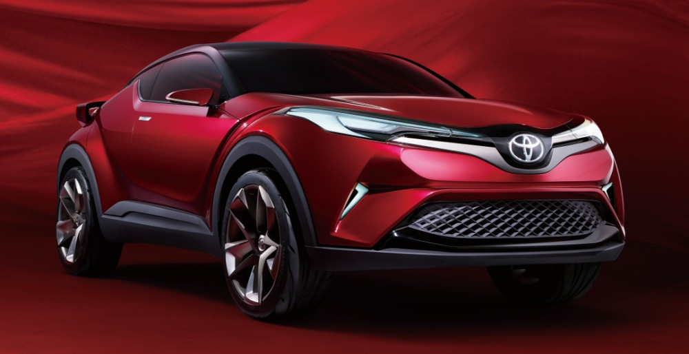 Toyota представила концептуальный кроссовер Way и седан Fun