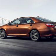 Обновленная Тойота Камри в России: комплектации и цены