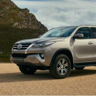 Toyota Fortuner (4)