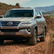 Toyota Fortuner (5)