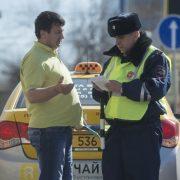 С 1 июля водители с иностранными правами лишатся работы