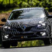 Renault Megane RS 2018: полноуправляемое шасси и другие «плюшки»