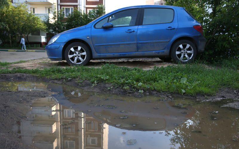 закон о штрафах за парковку на газонах: новые подробности