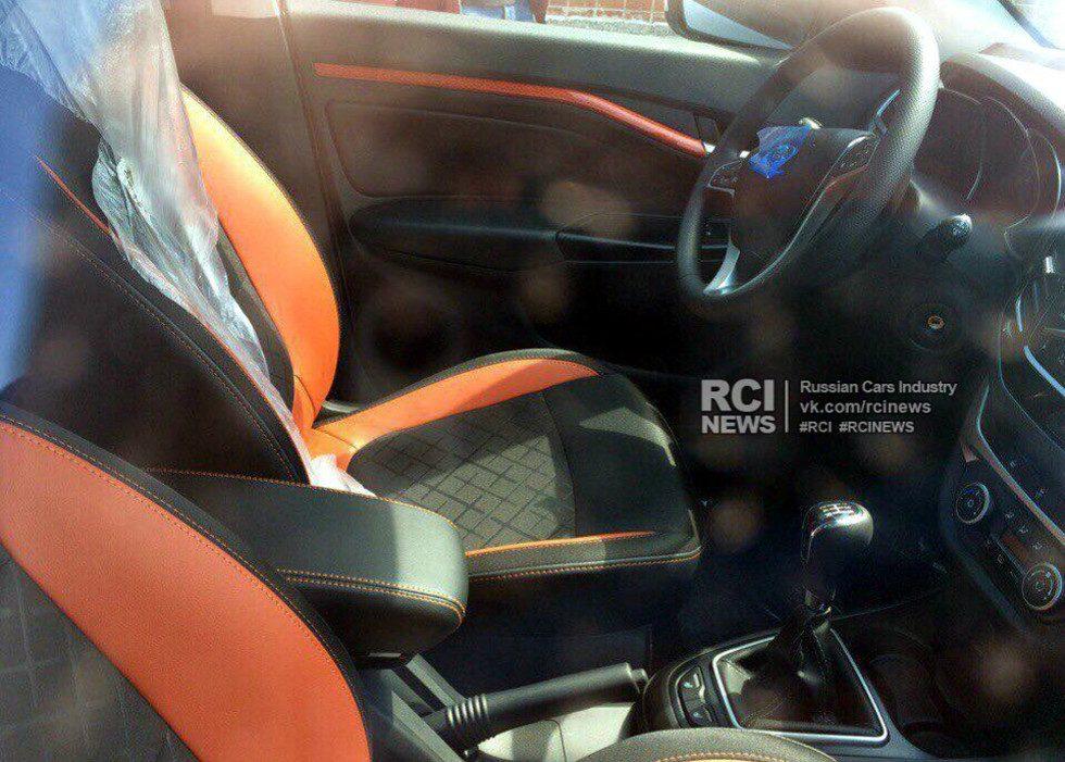 Lada Vesta SW Cross: первые фото салона серийного автомобиля