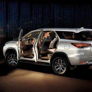 Обновленный Toyota Fortuner в России: старт продаж, фото, цена