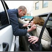 Конфликт на дороге: как правильно действовать?