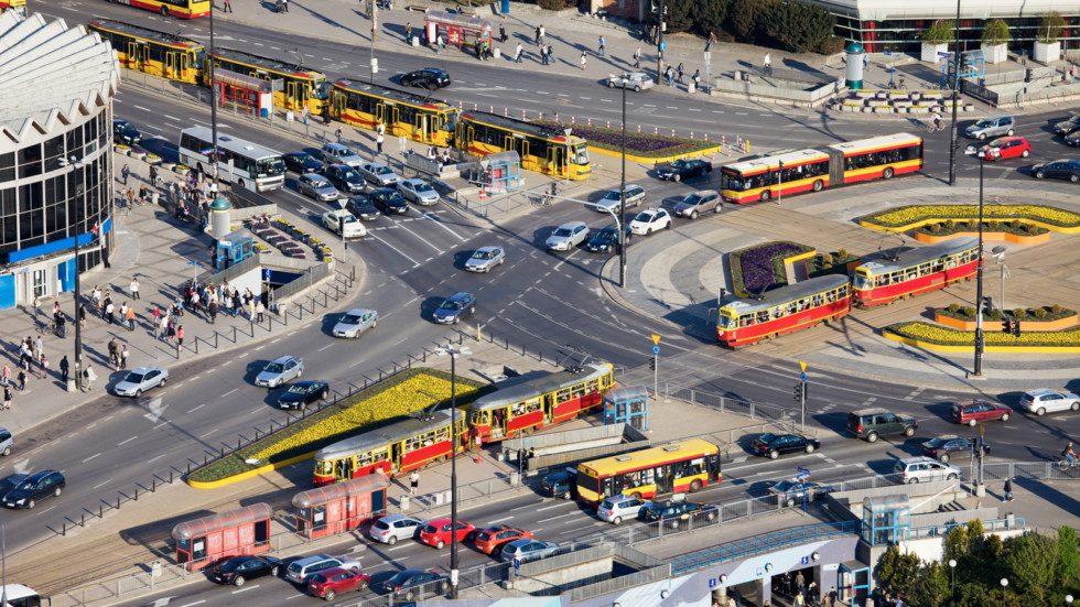 Дорожные камеры начнут штрафовать за выезд на обособленные трамвайные пути