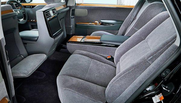 Toyota Century 2018 (4)